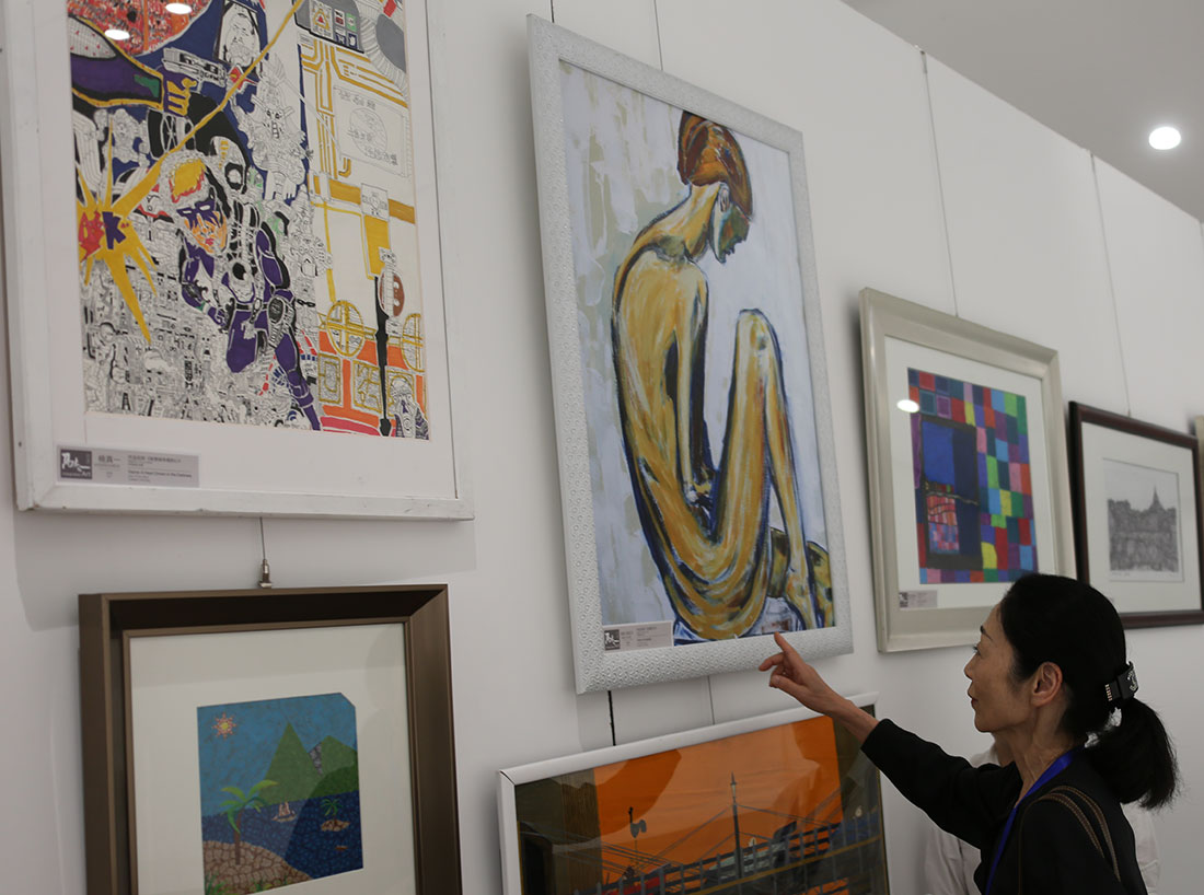 Nancy-Vallere-art-in-Wuhan
